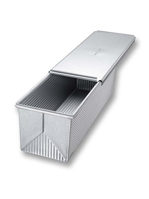 One of the Best Loaf Pans: USA Pan Bakeware Pullman Loaf Pan with Cover